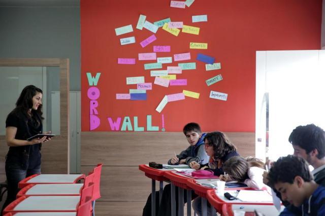 Com aulas em dois idiomas, escolas preparam alunos para o Exterior